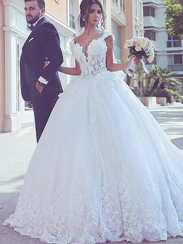 Ball Gown Sweetheart Sweep/Brush Train Sleeveless Lace Tulle Wedding Dresses