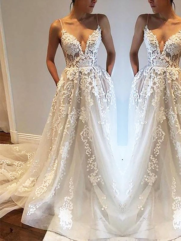 A-Line/Princess Spaghetti Straps Court Train Tulle Wedding Dress