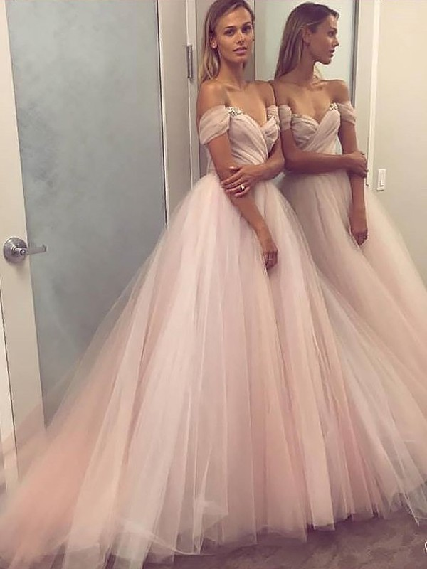 A-Line/Princess Sleeveless Off-the-Shoulder Tulle Beading Sweep/Brush Train Prom Gowns