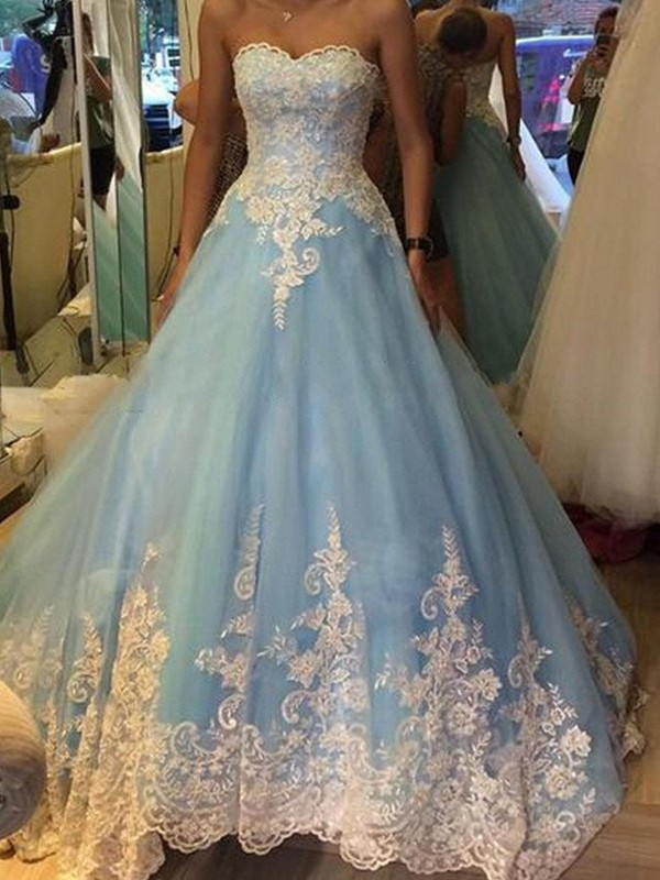 Ball Gown Sweetheart Applique Tulle Floor-Length Evening Dresses