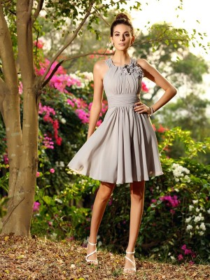 A-Line Chiffon Knee-Length Scoop Hand-Made Flower Dresses For Bridesmaid