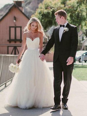 Ball Gown Sweetheart Sweep/Brush Sleeveless Train Tulle Wedding Dresses