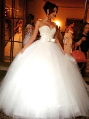 Ball Gown Bowknot Sweetheart Tulle Sleeveless Floor-Length Wedding Gown