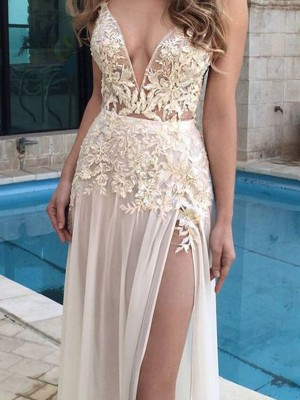 A-Line Sleeveless V-Neck Chiffon Applique Floor-Length Prom Gown
