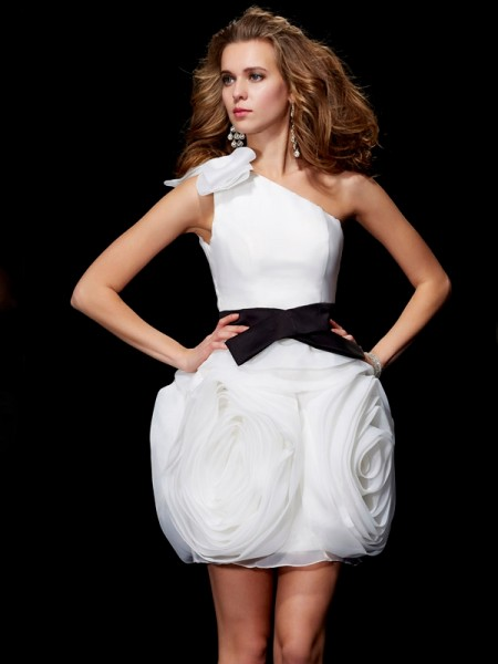 Sheath/Column One-Shoulder Short Tulle Homecoming Dress