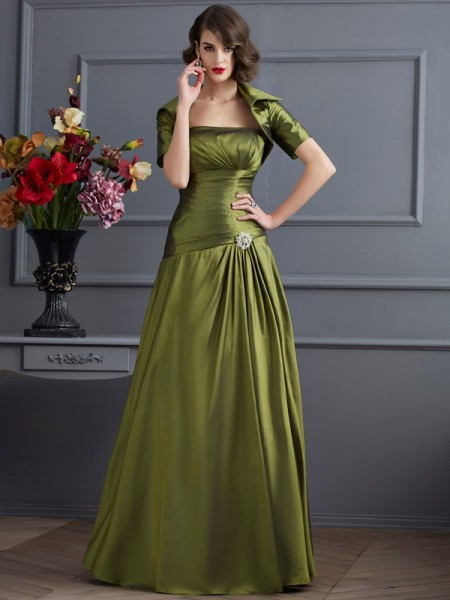 A-Line/Princess Strapless Beading Long Taffeta Mother of the Bride Dress