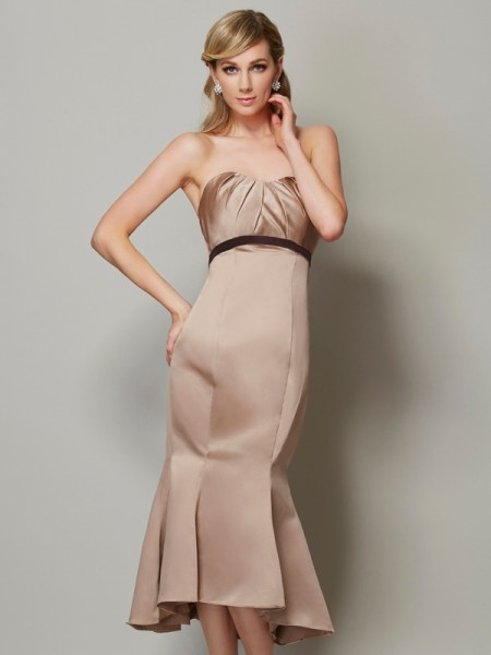 Sheath/Column Strapless Sash/Ribbon/Belt Short Satin Dress