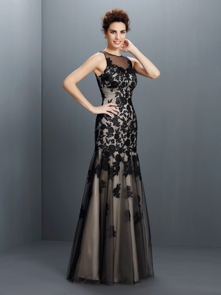 A-Line/Princess Bateau Applique Long Satin Dress