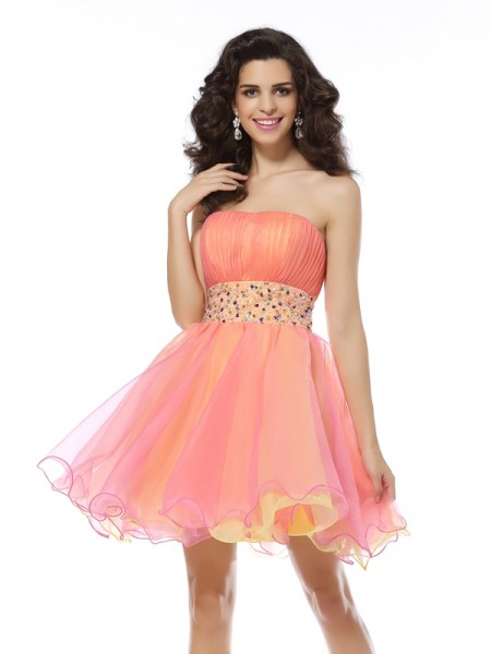 A-Line/Princess Strapless Beading Short Organza Cocktail Dress