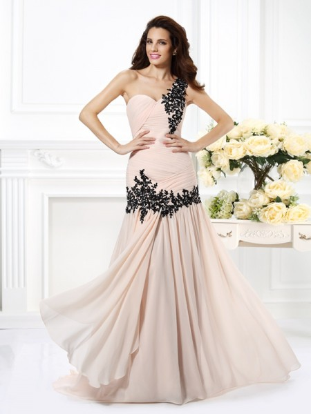 A-Line/Princess One-Shoulder Beading Applique Dress with Long Chiffon