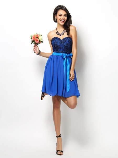 A-Line/Princess Sweetheart Lace Short Chiffon Bridesmaid Dress