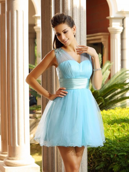 A-Line/Princess V-neck Pleats Short Net Cocktail Dress