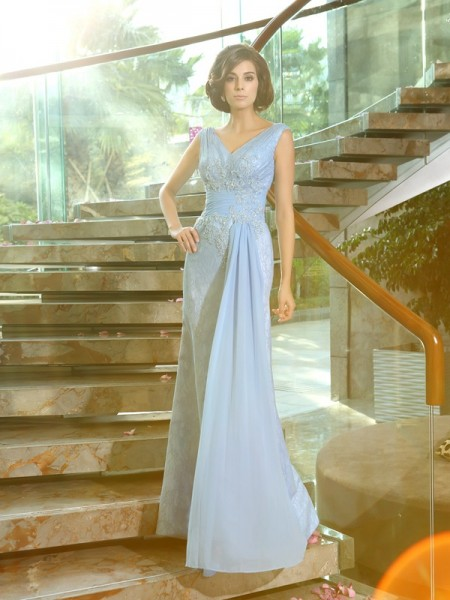 Sheath/Column V-neck Beading Long Lace Mother of the Bride Dress
