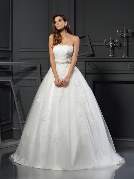 Ball Gown Strapless Applique Long Net Wedding Dress