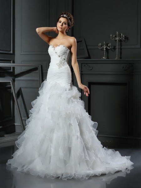 Trumpet/Mermaid Sweetheart Ruffles Long Organza Wedding Dress