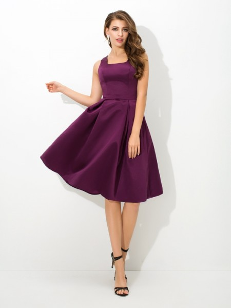 A-Line/Princess Square Pleats Satin Bridesmaid Dress