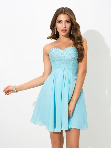 A-Line/Princess Sweetheart Beading Short Chiffon Cocktail Dress