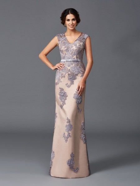 Sheath/Column Straps Applique Satin Dress