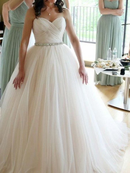 Ball Gown Sweetheart Sleeveless Floor-Length Beading Tulle Wedding Dress