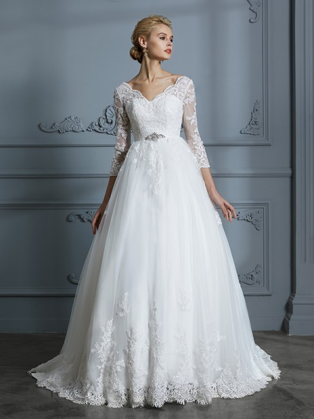 Ball Gown Tulle V-neck Court Train Wedding Dress