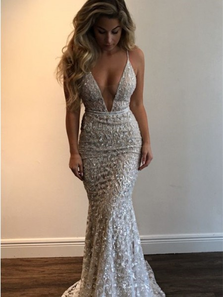 Trumpet/Mermaid V-neck Sleeveless Lace Floor-Length Dress
