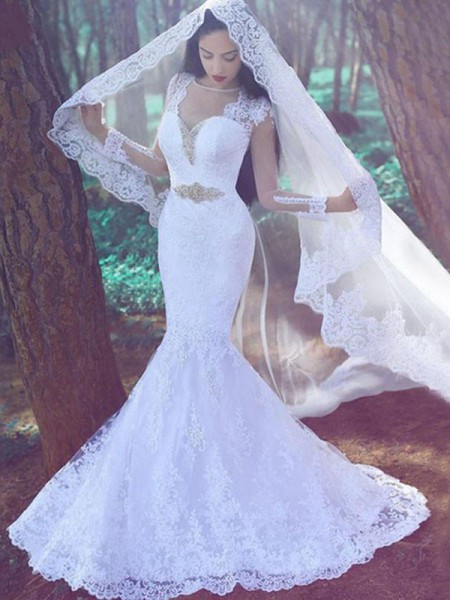 Trumpet/Mermaid Sweetheart Lace Court Train Applique Wedding Dress