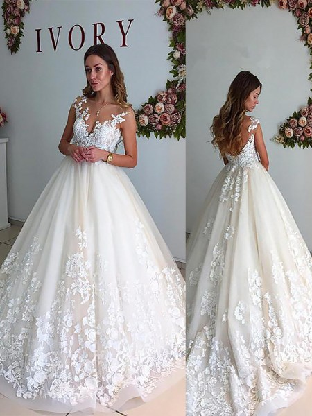 A-Line/Princess Tulle V-neck Court Train Wedding Dress