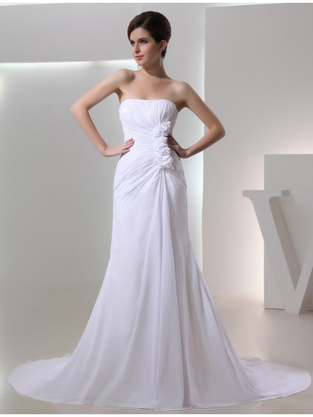 A-Line/Princess Strapless Pleated Chiffon Wedding Dress