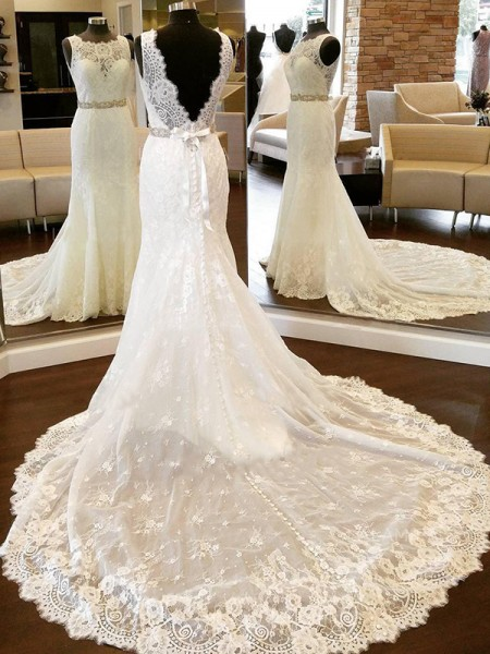 Sheath/Column Lace Sleeveless Scoop Bowknot Chapel Train Wedding Dresses