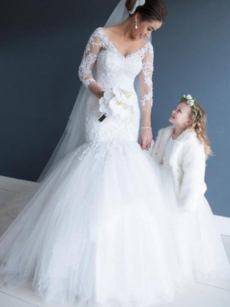 Trumpet/Mermaid V-neck 3/4 Sleeves Tulle Lace Court Train Wedding Dresses