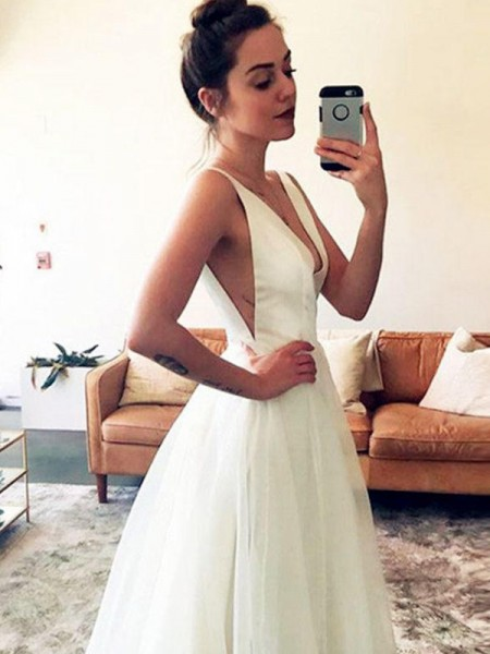 A-Line/Princess Tulle Sleeveless V-neck Ruched Sweep/Brush Train Wedding Dresses