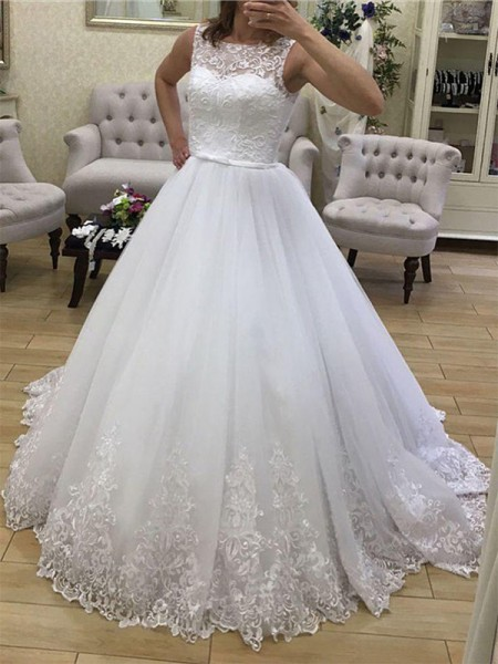 Ball Gown Tulle Applique Scoop Sleeveless Court Train Wedding Dresses