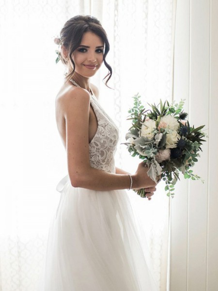 A-Line/Princess Lace Tulle Sleeveless Halter Floor-Length Wedding Dresses