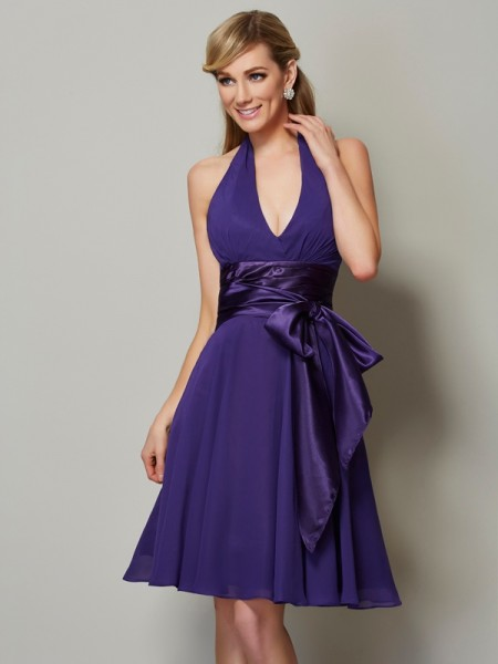 A-Line/Princess Halter Short Chiffon Bridesmaid Dress