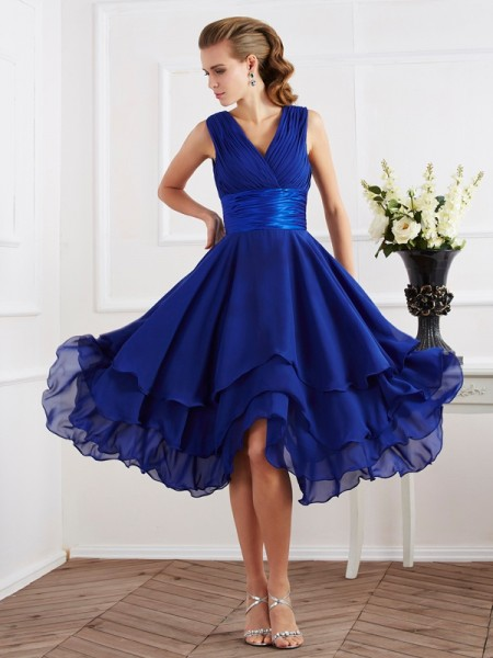 A-Line/Princess V-neck Short Sleeves Pleats Short Chiffon Bridesmaid Dress