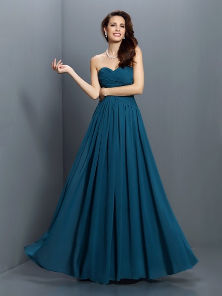 A-Line/Princess Sweetheart Pleats Long Satin Bridesmaid Dress