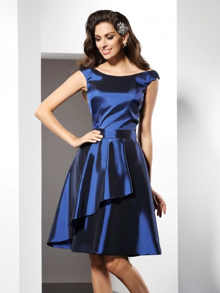 A-Line/Princess Scoop Short Taffeta Bridesmaid Dress