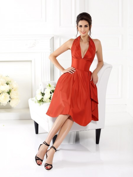A-Line/Princess Halter Short Taffeta Bridesmaid Dress