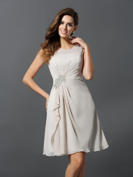 A-Line/Princess Scoop Beading Short Chiffon Bridesmaid Dress