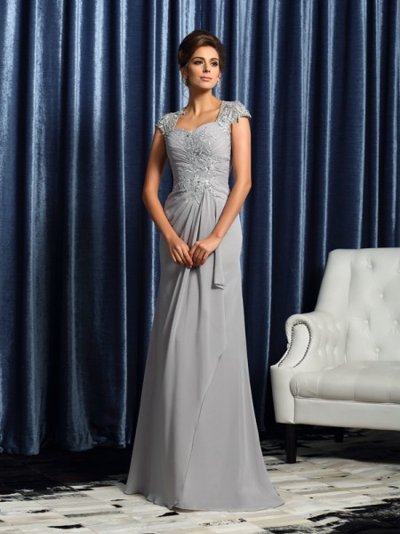 Sheath/Column Sweetheart Applique Short Sleeves Mother of the Bride Dress with Long Chiffon