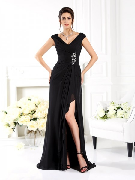 A-Line/Princess V-neck Ruffles Mother of the Bride Dress with Long Chiffon