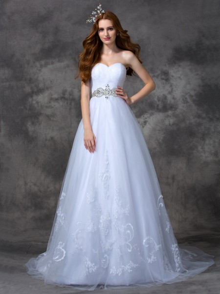 A-line/Princess Sweetheart Beading Satin Wedding Dress