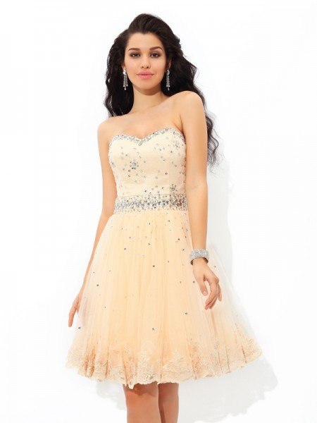 A-Line/Princess Sweetheart Beading Satin Cocktail Dress