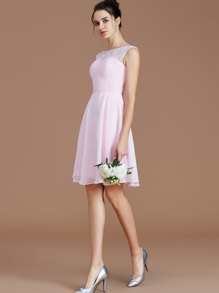 A-Line/Princess Bateau Lace Short/Mini Chiffon Bridesmaid Dresses