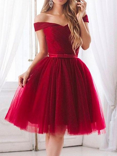 A-Line/Princess Tulle Ruffles Sleeveless Knee-Length Gown