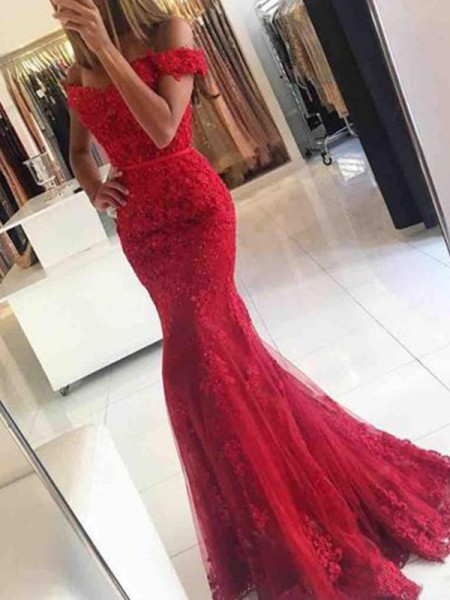 Trumpet/Mermaid Sleeveless Sweep/Brush Train Off-the-Shoulder Tulle Applique Dresses