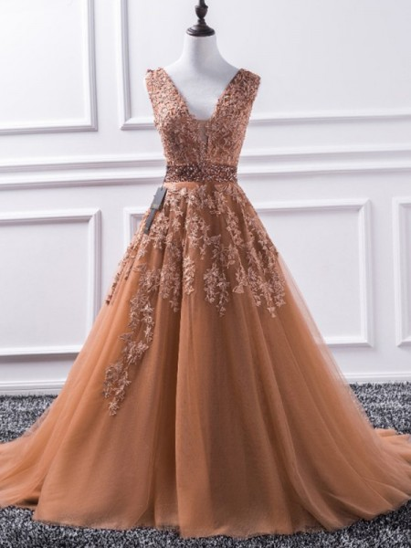 A-Line/Princess V-neck Sleeveless Sweep/Brush Train Applique Tulle Dresses