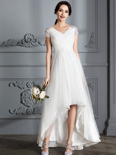 A-Line/Princess Tulle V-neck Asymmetrical Wedding Dress