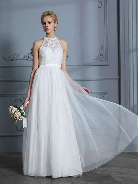 A-Line/Princess Tulle Scoop Floor-Length Wedding Dress