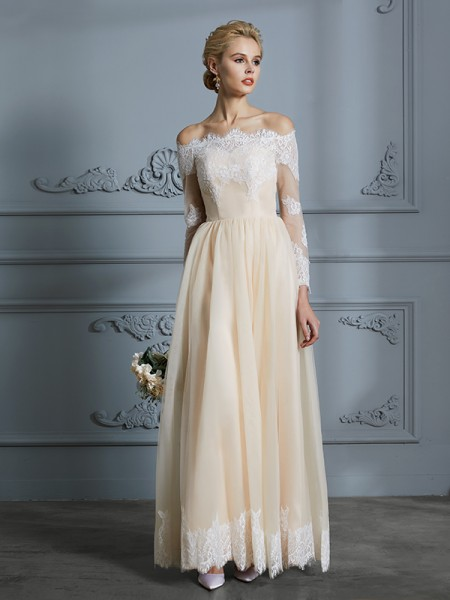 A-Line/Princess Tulle Off-the-Shoulder Floor-Length Wedding Dress